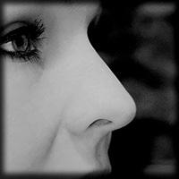 künstlerisches Nasenbild in Schwarz-Weiß